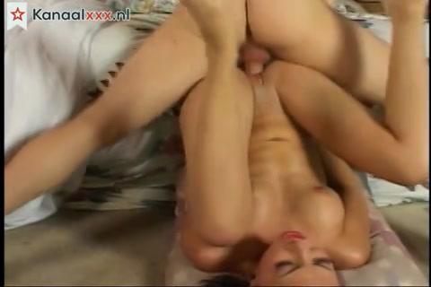 Vingeren onder de douche geil anal