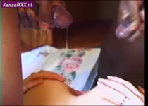 Haar anus word door twee neger lullen gevult met sperma