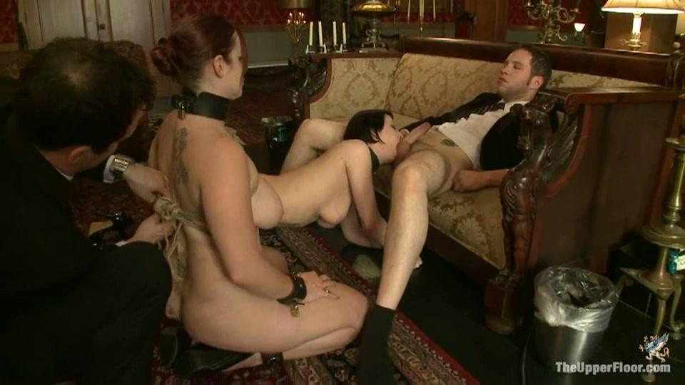 Sexy slavinnen verwennen de heren