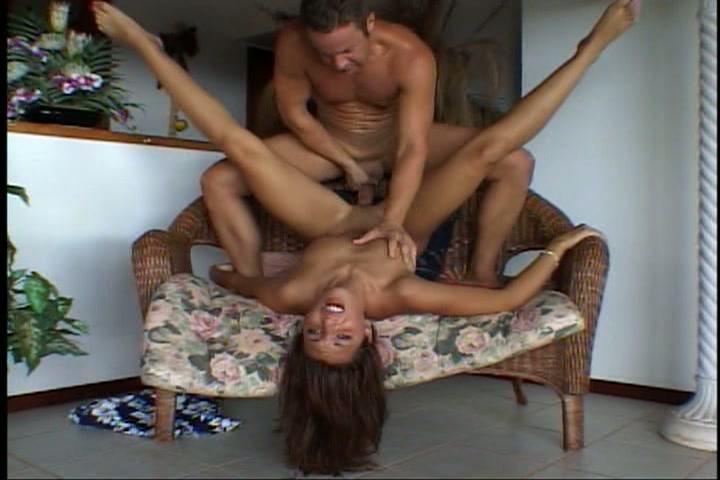 Ze neukt de huur en meubels bij elkaar